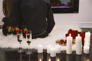 <p>The ultimate couples retreat allows you to relax with a 15 minute bubbly foot soak while enjoying champagne and chocolates. Next you'll receive a deeply relaxing 60 minute massage coupled with our warm revitalizing herbal pillow that's sure to help melt your tension away. 80 Minutes total treatment time.</p>