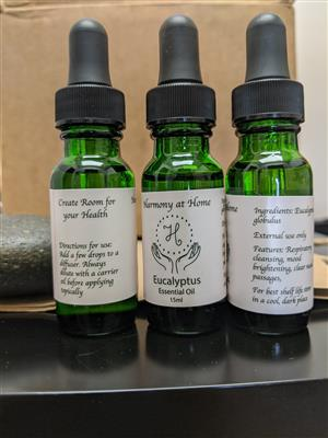 <p>15ml pure Eucalyptus Essential Oil</p> <p>Known most for it's respiratory boosting properties, this bright and woody oil also uplifts your mood and fights infections as well.</p>