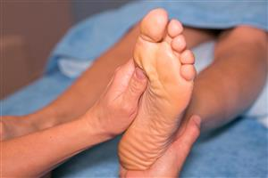 60 minute Indulge Reflexology session at Time to Unwind Natural Therapies Clinic
